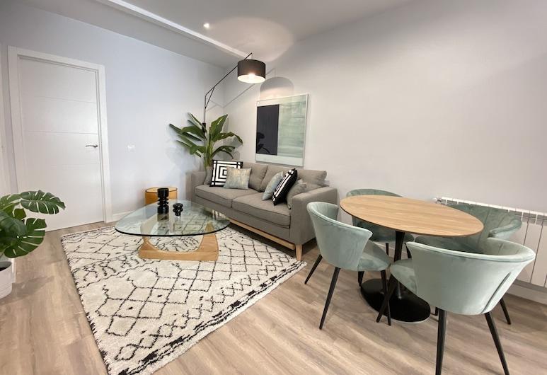 Apartment Plaza de las Ventas III, Madrid, Apartment, 2 Bedrooms, Living Room
