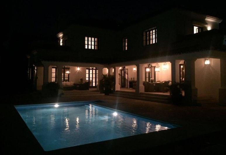 Villa in Golf Valley, マルベラ, ヴィラ ベッド (複数台), 施設の正面