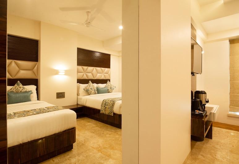 Hotel Auris, Mumbai, Hazel Triple, Balcony View