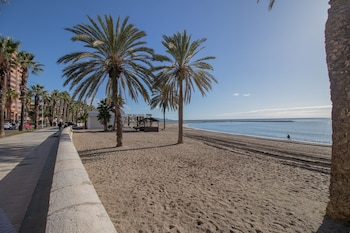 Picture of Seaside 2 Bedrooms by the Center in Málaga