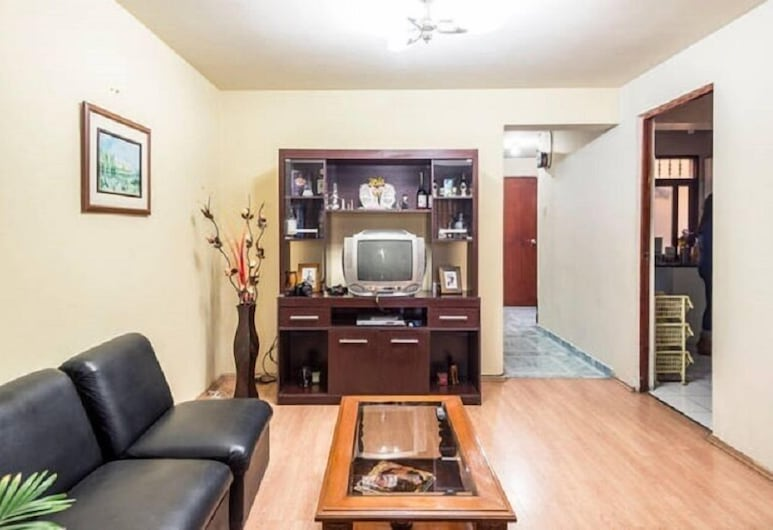 Callao Backpacker - Adults Only, Callao, Basic Single Room, Living Area