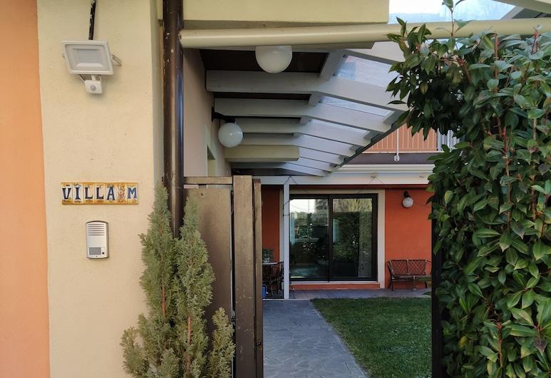Villa M, Potenza, Hotel Entrance