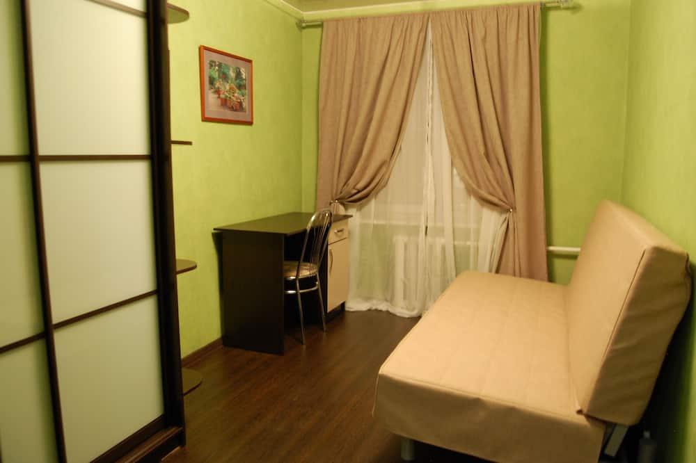 Superior Quadruple Room - Living Room