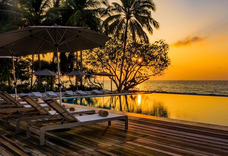 Fiyavalhu Maldives, Mandhoo, Exterior