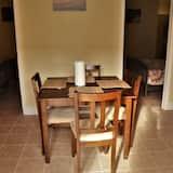 Vila su patogumais - Vakarienės kambaryje