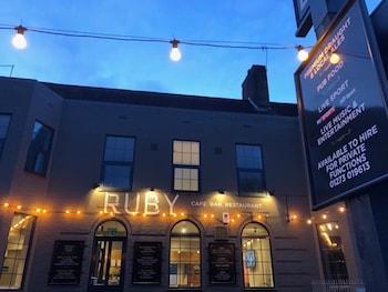 Foto RUBY Pub & Hotel di Brighton
