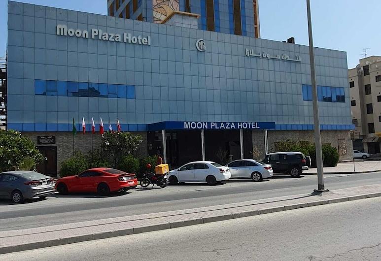 Moon Plaza Hotel, Manama, Průčelí hotelu
