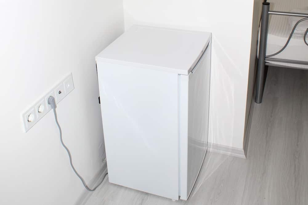 Pamatklases četrvietīgs numurs - Mazais ledusskapis