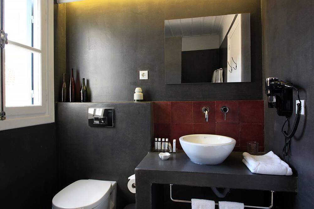Quarto Duplo, Pátio - Casa de banho