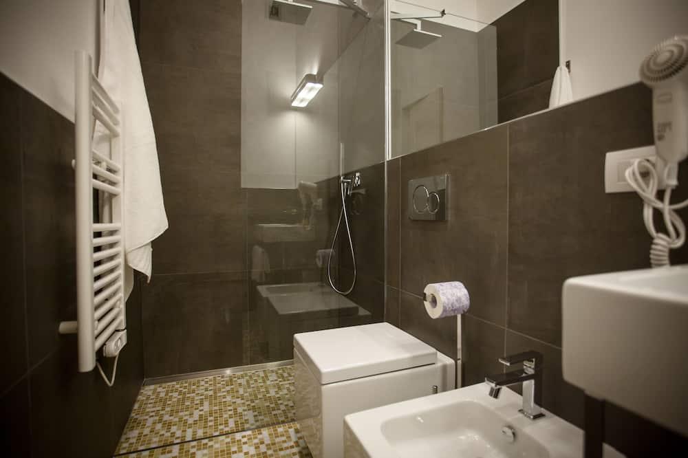Chambre Triple Design (Macine) - Salle de bain