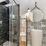 Quarto Quádruplo Deluxe, Varanda - Casa de banho
