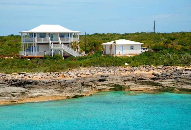 Petit Paradise Sandy Point Bahamas, Cockburn Town