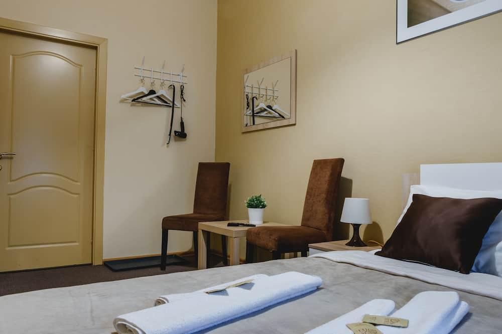 Standard Room, Shared Bathroom - Living Area