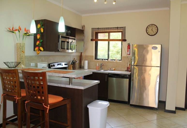 Modern Townhouse @ Exclusive Gated Community, Noord