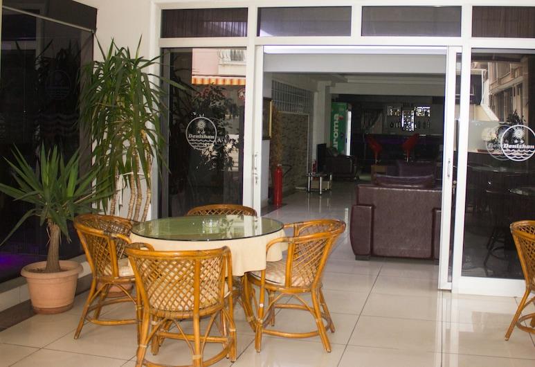 Denizhan Otel, Antalya, Innenhof