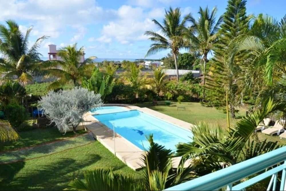 Villa With 7 Bedrooms in Trou D'eau Douce, Flacq, With Wonderful sea View, Private Pool, Enclosed Garden