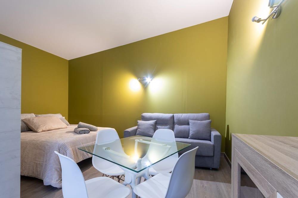 Standarta studijas tipa numurs, viena guļamistaba - Dzīvojamā zona