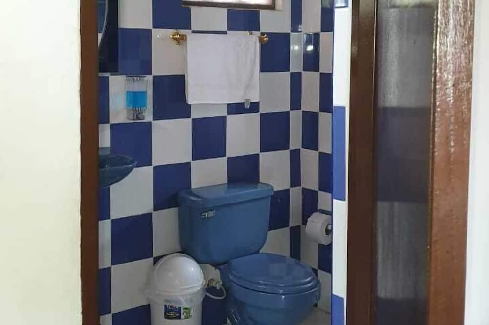 Habitación familiar, Varias camas - Baño