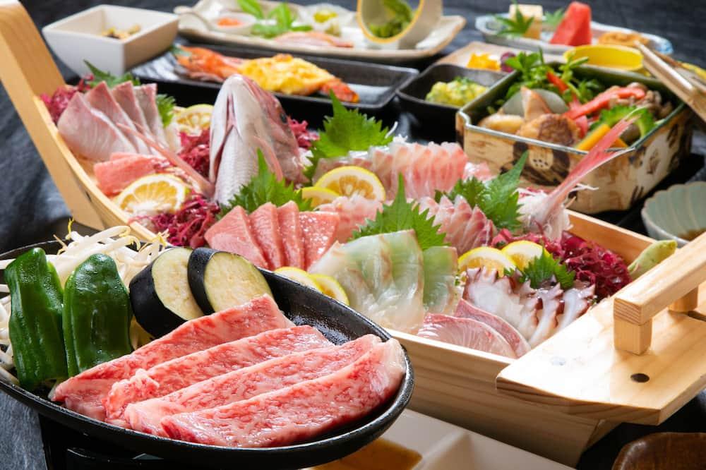 Traditional-huone (JPN corner room, Funamori, Beef Steak) - Ryokan-illallistila