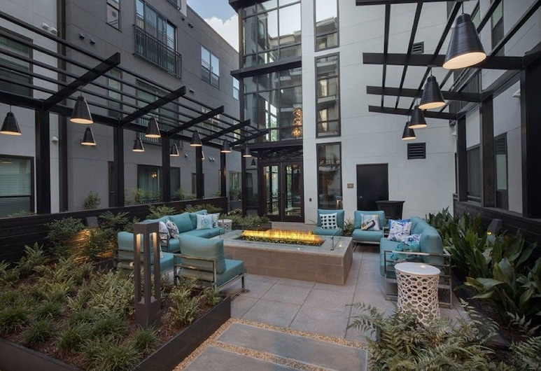 CHIC COLLECTION by NOHOTEL on Juniper, Atlanta, Courtyard