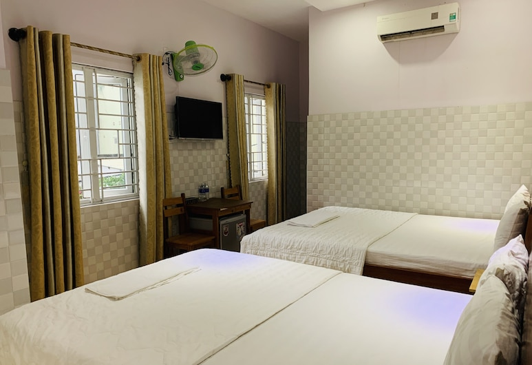 OYO 853 Son Tra Motel, Da Nang, Superior Quadruple Room, Guest Room