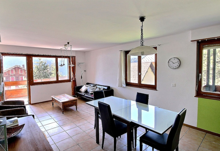 Communailles 34 - Nice Apartment of 4.5 Rooms in the Heart of the Village, Champery, Erkély