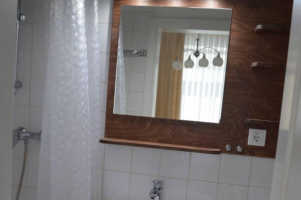 Habitación doble, balcón - Cuarto de baño