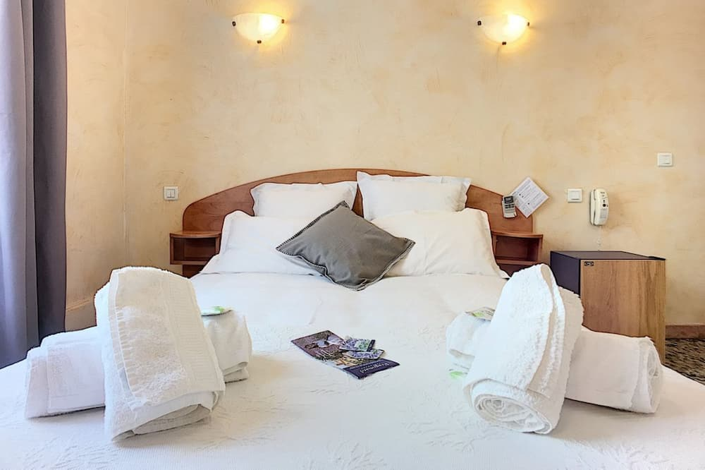 Signature Double Room - Guest Room