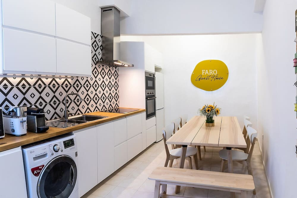 Comfort Double Room, Private Bathroom (not in the room) - Shared kitchen