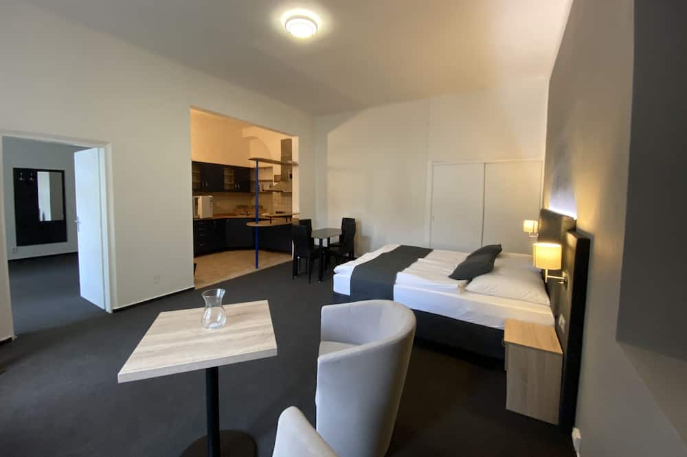 ดีลักซ์อพาร์ทเมนท์, 2 ห้องนอน, ปลอดบุหรี่, ห้องครัวขนาดเล็ก - พื้นที่นั่งเล่น