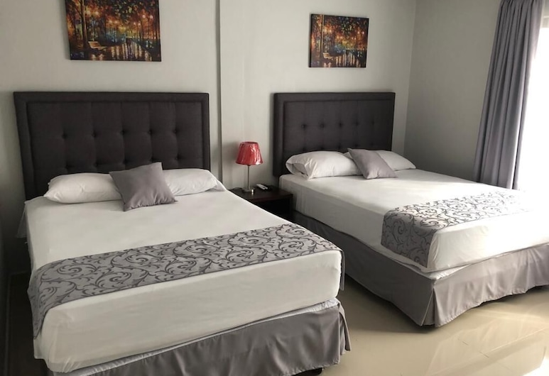 Hotel Plaza Alicante, San Pedro Sula, Double Room, 2 Queen Beds, Accessible, Mountain View, Guest Room
