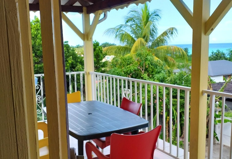 Apartment With 2 Bedrooms in Sainte-rose, With Wonderful sea View, Enclosed Garden and Wifi - 300 m From the Beach, Sainte-Rose