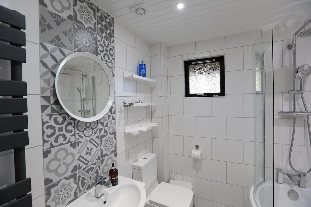 Luxusný apartmán, bezbariérová izba, spoločná kúpeľňa - Kúpeľňa