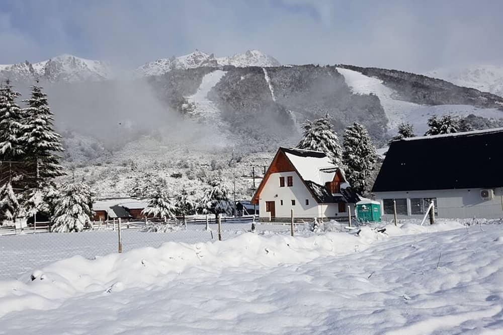 Premium Cabin - Mountain View