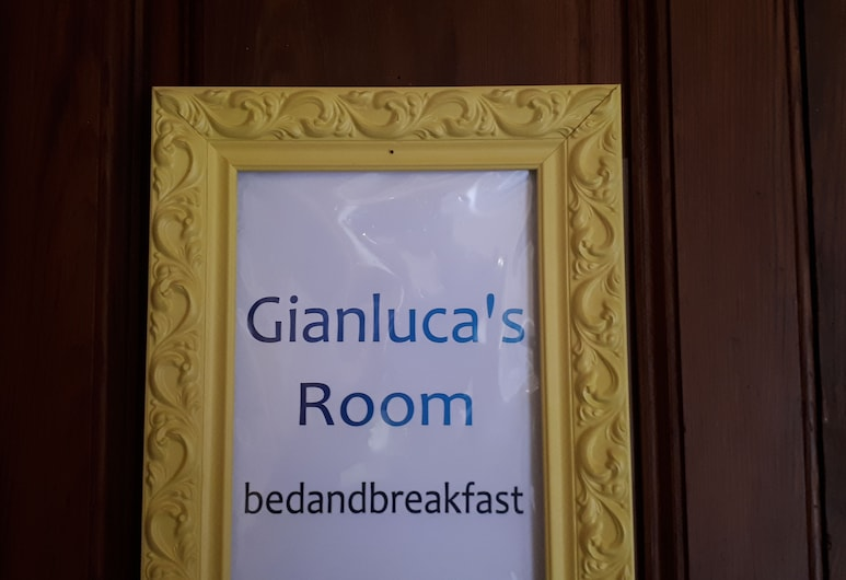 Gianlucas Room, Catania, Ingresso hotel