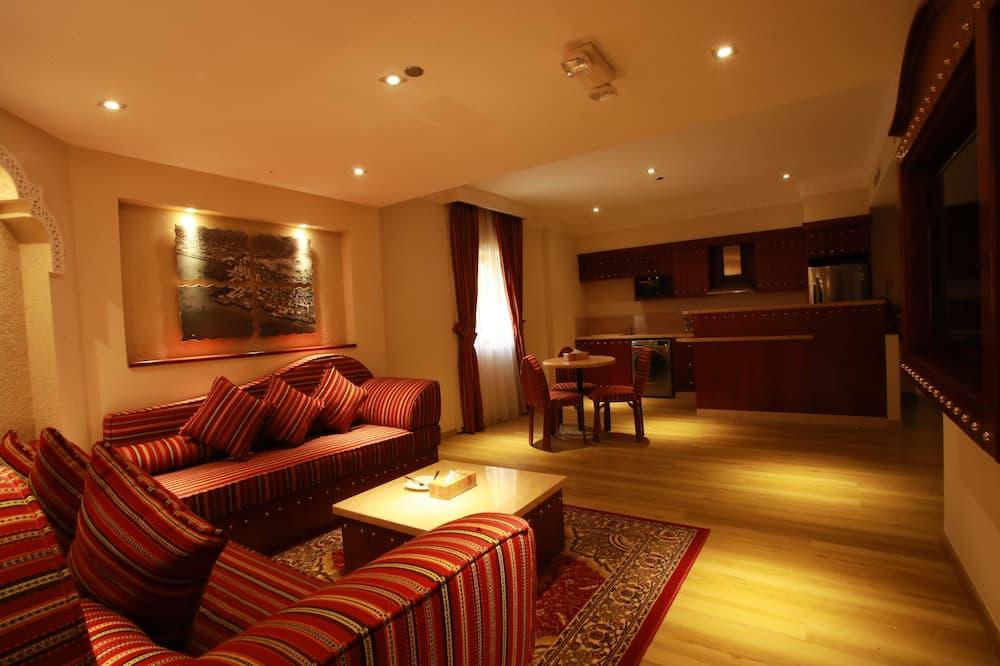 ดีลักซ์อพาร์ทเมนท์, 2 ห้องนอน, วิวเมือง - พื้นที่นั่งเล่น