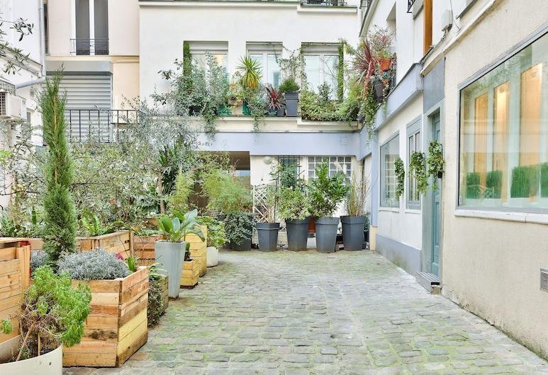 113 - Urban Vuitton Lemoine, Παρίσι, Αυλή