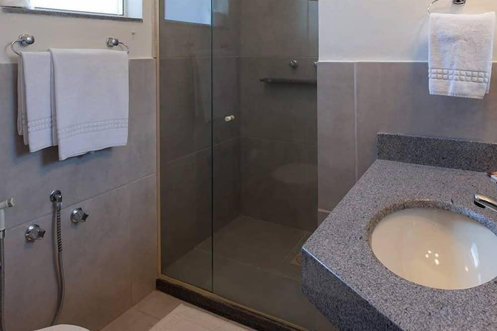 อพาร์ทเมนท์, วิวสวน - ห้องน้ำ
