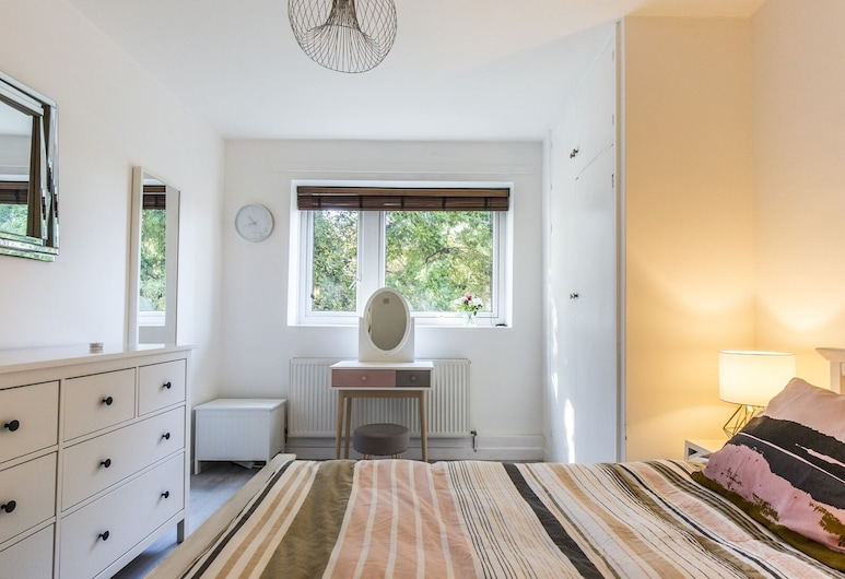 Recently Renovated 2BR Flat in South East London, Londen, Appartement (2 Bedrooms), Kamer
