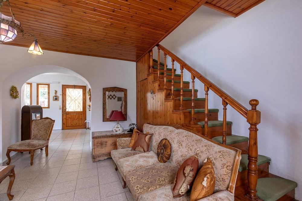 Traditional Duplex - Living Area