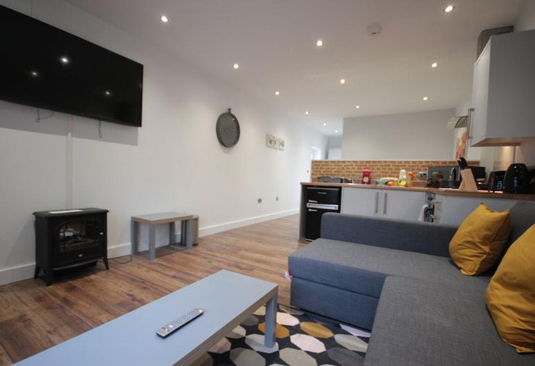 Studio 332, Hull, Studio, Obývací pokoj