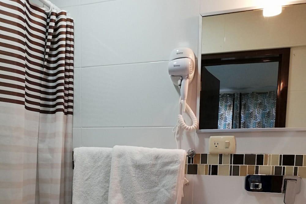 Tradicinio tipo dvivietis kambarys (1 asmeniui) - Vonios kambarys