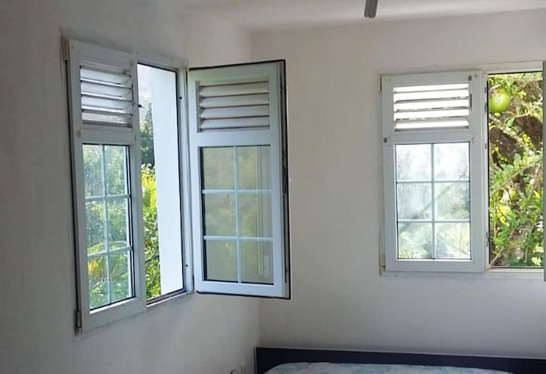 Apartment With one Bedroom in Le Francois , With Furnished Garden - 10 km From the Beach, 勒弗朗索瓦