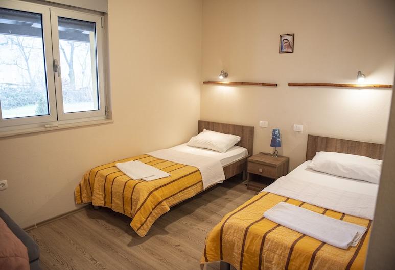 Pansion Eden, Medjugorje, Habitación básica doble, 2 camas individuales, Habitación
