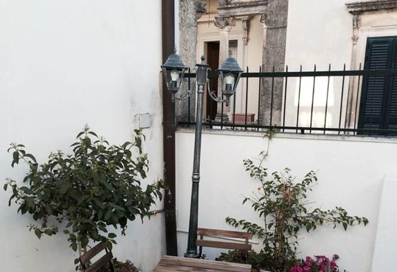 Apartment With one Bedroom in Castiglione D'otranto, With Wonderful City View, Furnished Terrace and Wifi - 5 km From the Beach, Αντράνο