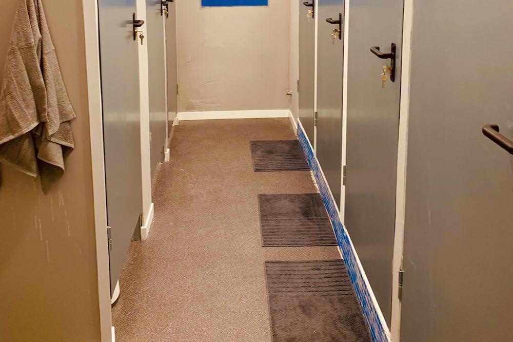 Ekonominės klasės bendrabutis - Vonios kambarys