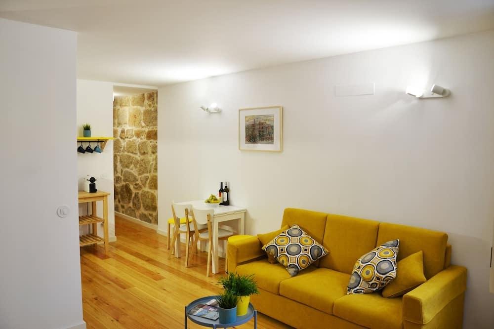 One-Bedroom apartment, street view (Alegria) - Area soggiorno