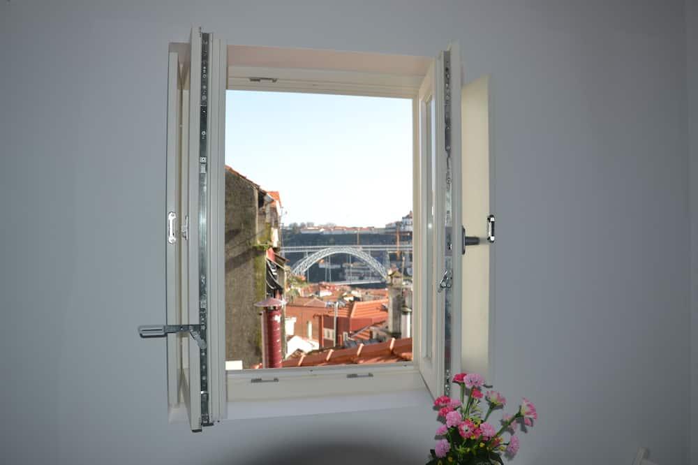 Studio with River View (Top) - Area soggiorno