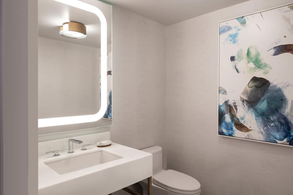 套房, 1 張特大雙人床, 露台, 公園景 (Juliet Balcony) - 浴室