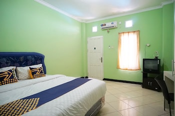 Picture of SPOT ON 2729 Marzan Syariah Guest House in Balikpapan